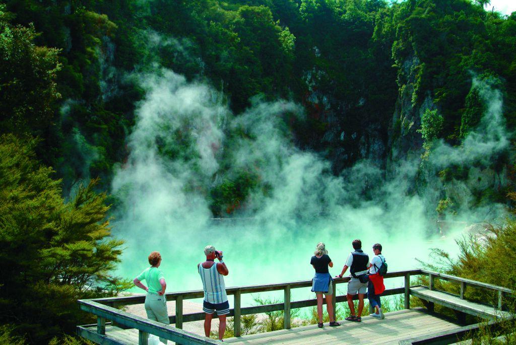 http://www.lookandtravel.ru/wp-content/uploads/2011/07/Rotorua.jpg