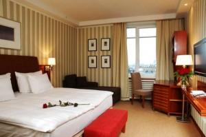 Отель Sokos Hotel Palace Bridge, интерьер номера