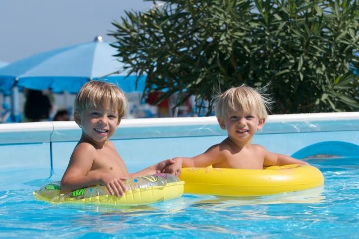 Как детям провести лето без родителей