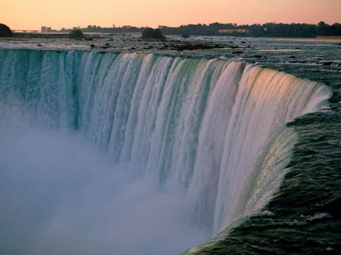 Как услышать гром воды