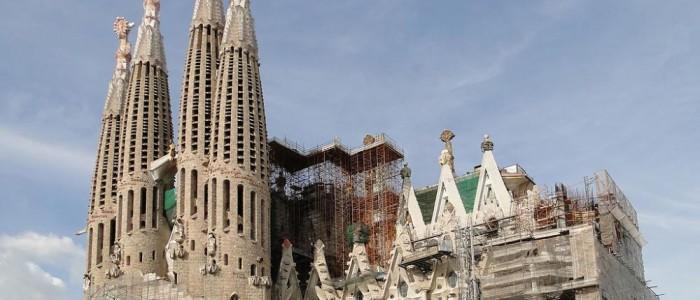 Знаменитые сооружения Гауди в Барселоне