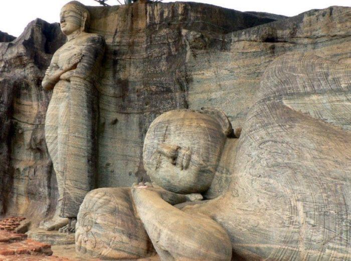 gal-vihara-at-polonnaruwa-4