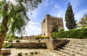 Прославленный замок Колосси на острове Кипре